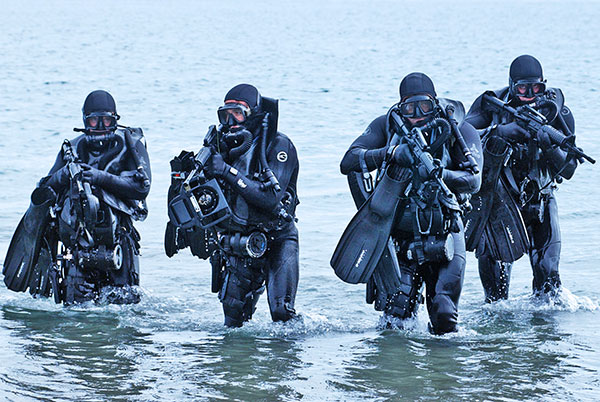 SEALs wearing rebreathers