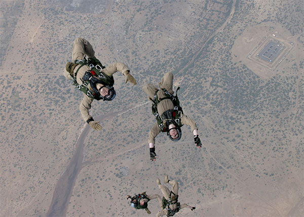 Force Recon Marines - parachutists