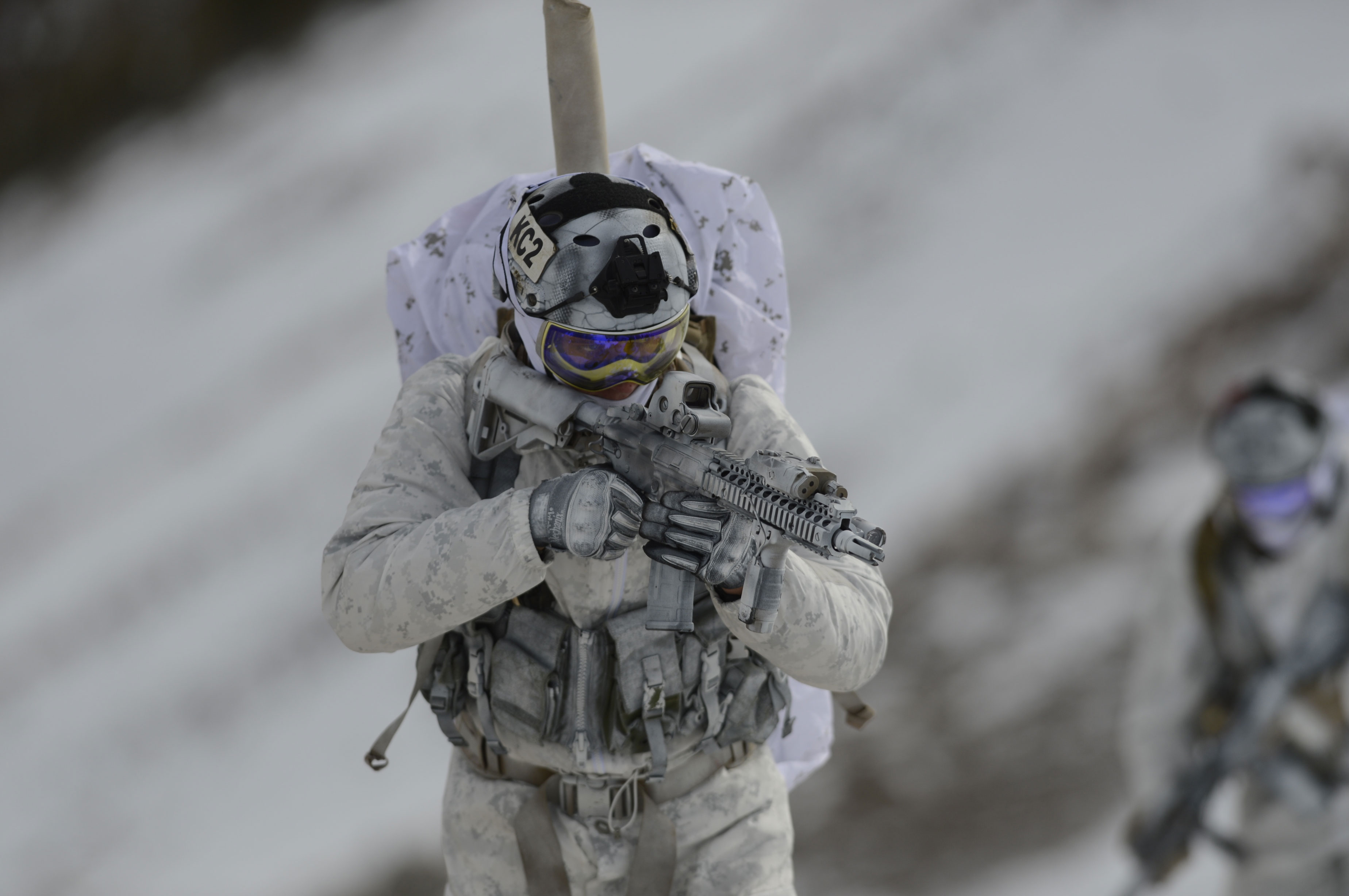 Top Photo : SEALs operating in winter conditions RR21