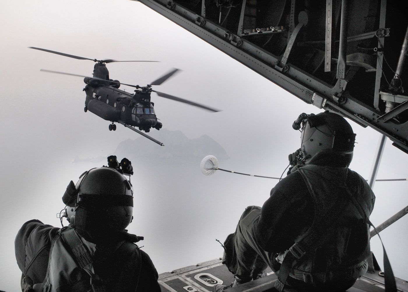 chinook helicopter crash with Chinook Mc 130p on 3798 Fcx Le Concept Helicoptere De Bell Presente A Dallas likewise Nhindustries Nh90 Multi Role Military Helicopter besides Us trump airlines moreover Wel e to arma iii heres how you can get started as well 329.