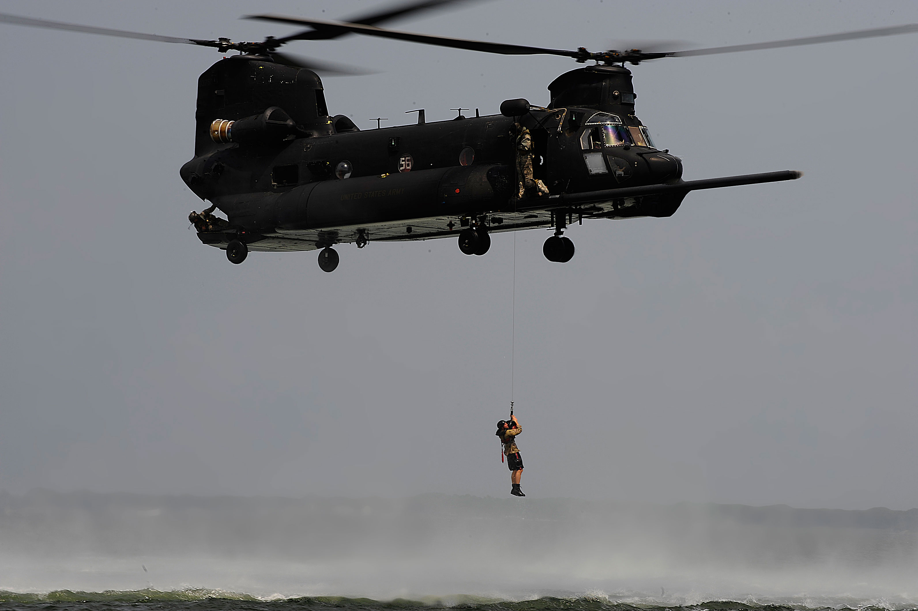 Photo : chinook - special forces
