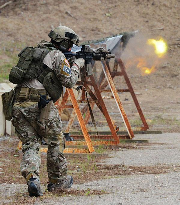 Special Forces Mk18 Cqbr