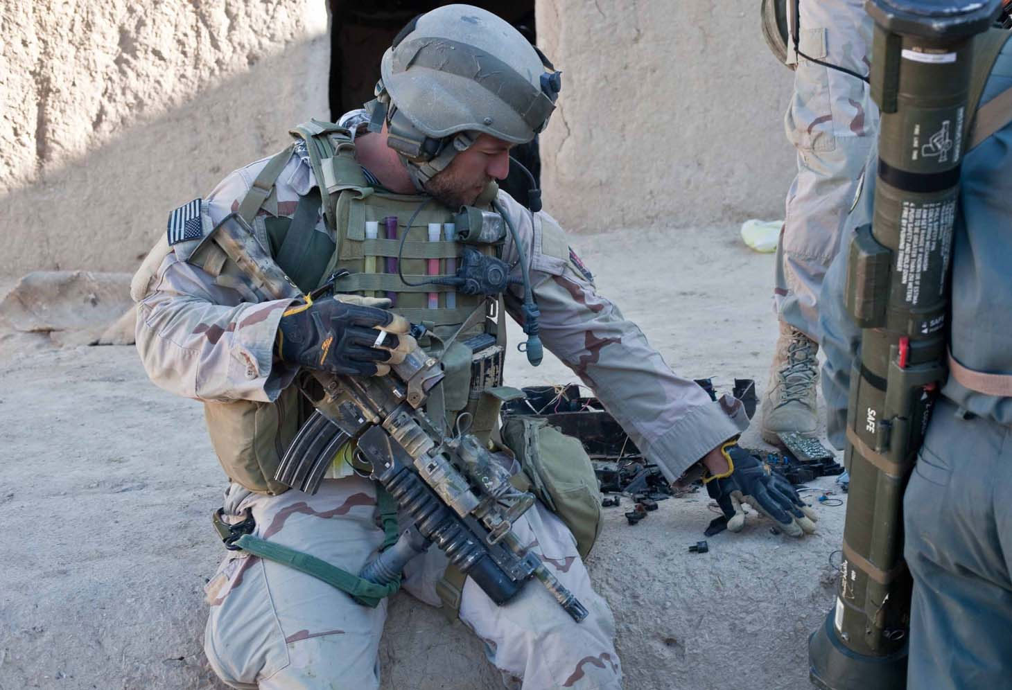 a description of the united states navy seals in american special forces Led force members of navy seal team six formed the core of the irf, with other american special  special operations ground forces.