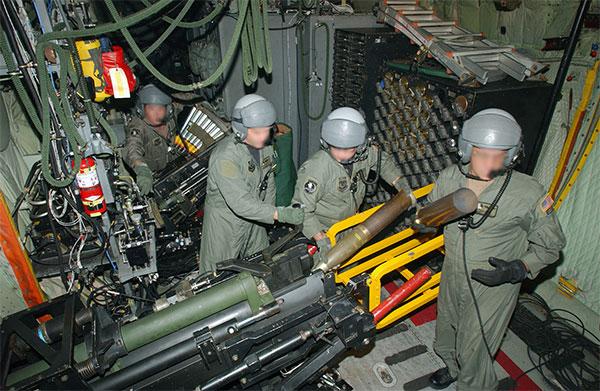 Американский AC-130 не имеет аналогов в России
