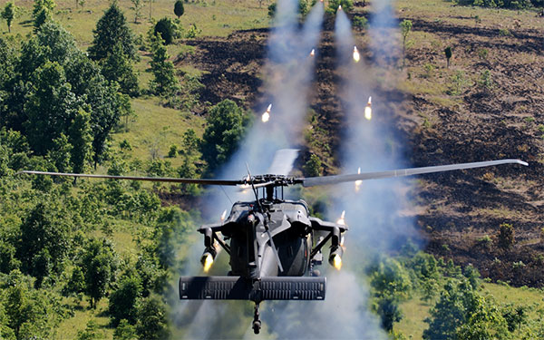 mh60 black hawk helicopters